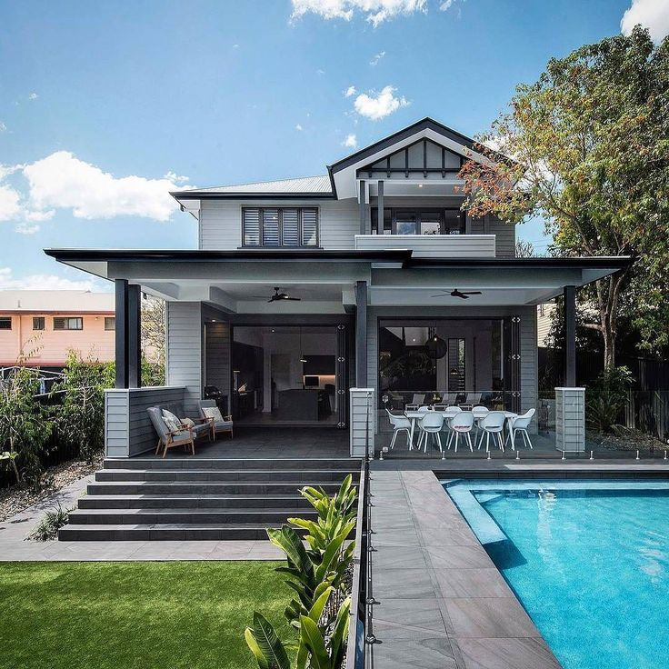 Dreaming of a Monday by the pool like this magnificent home by @jhdixonbuilders and @bighouselittlehouse  #australianarchitecture #architecture #exterior #exteriordesign #scyonwalls