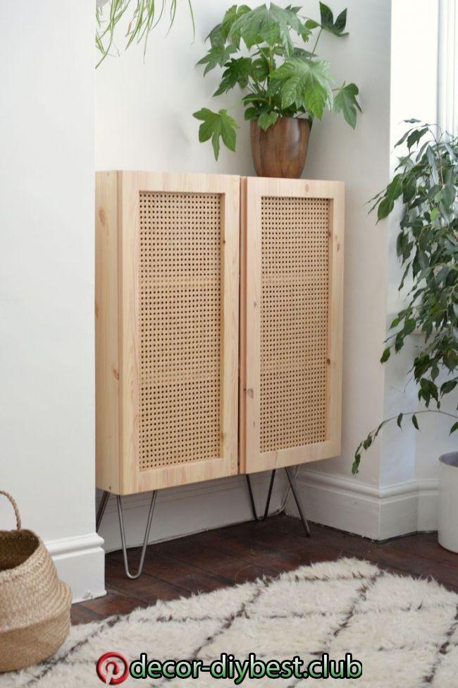 Dieser Ikea Hack Verwendet Cane Um Einen Einfachen Schrank In Eine Designschonheit Zu Verwandeln Hunker Diy Home Decor Diy Hanging She In 2020 Haus Deko Dekor Und Ikea Dekor