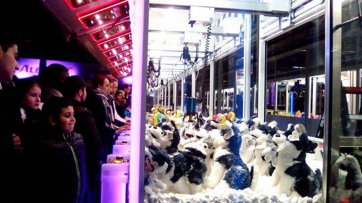 https://flic.kr/p/NSqSBA | Sin título | Christmas fair of AlexanderPlatz. Berlin, Germany