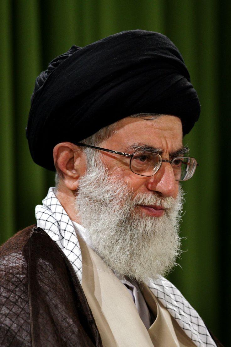 الخامنئي قائد الثورة الإسلامية المعظم
