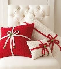 Картинки по запросу красные новогодние подушки