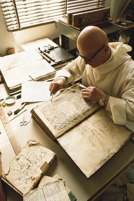 bibliofila:    A Benedictine monk restoring incunabula at the monastery of Monte Oliveto Maggiore, Tuscany, Italy.  Source: Britannica Online Encyclopedia