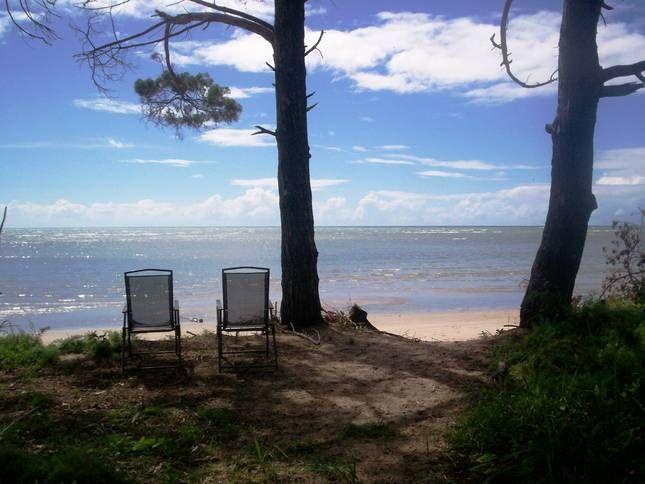 Cedar Beach Lodge(Pet Friendly) )   Hervey Bay, QLD   Accommodation