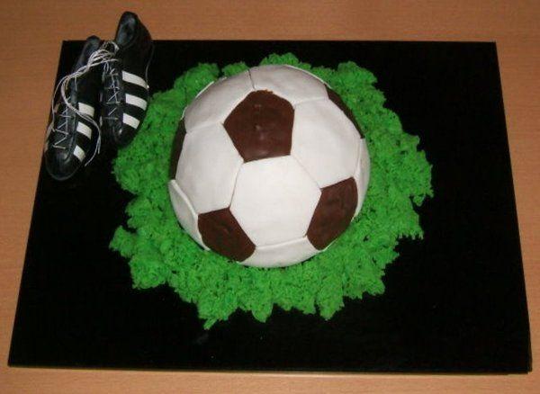 Fussballtorte - creadoo.com
