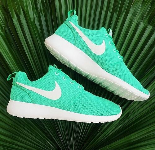 I don't own a pair of tennis shoes but I would actually wear these tiffany blue nikes #nike #shoes