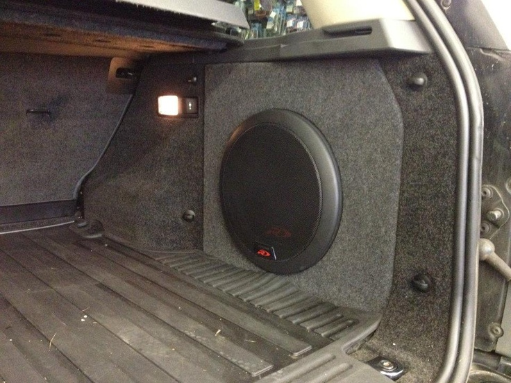 Swr T12 In Range Rover Vogue Installed By Oxford Car Audio Car Audio Installation Range Rover