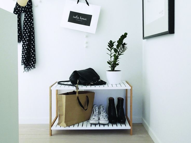 Mocka Jimmy Stand - image provided by The Design Chaser