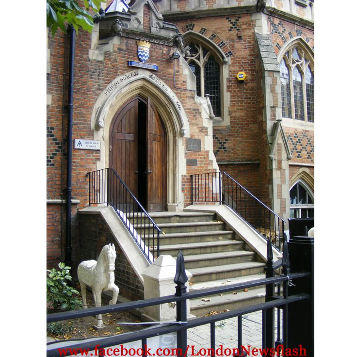 Entrance of Abercorn School in Marylebone #europe #eurotrip #unitedkingdom #greatbritain #england #london #londres #marylebone #maryleboneroad #school #buildings #architecture #architektur #arquitectura #instapassport #instatravel #instagood #traveling #travelblog #travel #reise #viaje #voyage #igersuk #igerseurope #igers #instagood #instalike #photooftheday #picoftheday #instamood facebook.com/LondonNewsflash