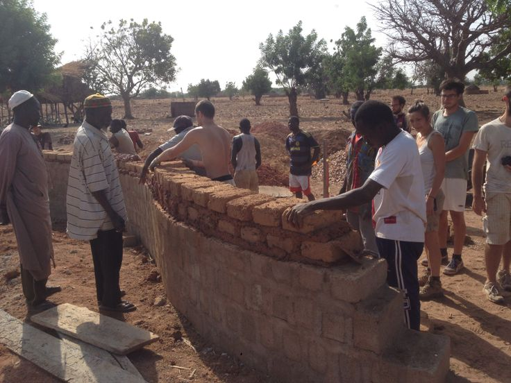 building reality // learning how you do a brick's wall with handmade bricks.