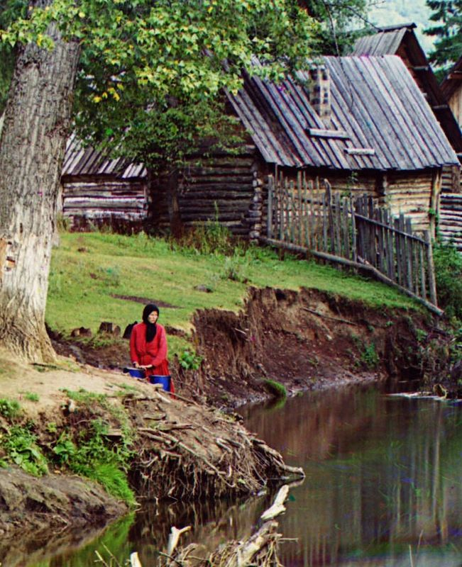 "Fragment of the photo ""On the river Sim at station Ashi-Balashovskaya"", 1910, by Prokudin-Gorsky."