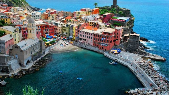 Walk the magical Cinque Terre | Walking Self-Guided Holiday, Walking Travel Experience | Combadi