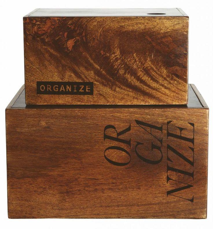 Scatole di Belle stoccaggio di legno fatte da House Doctor. Questo set è realizzato in MDF e Manghoholz. Una vera risorsa per il vostro ufficio o soggiorno.