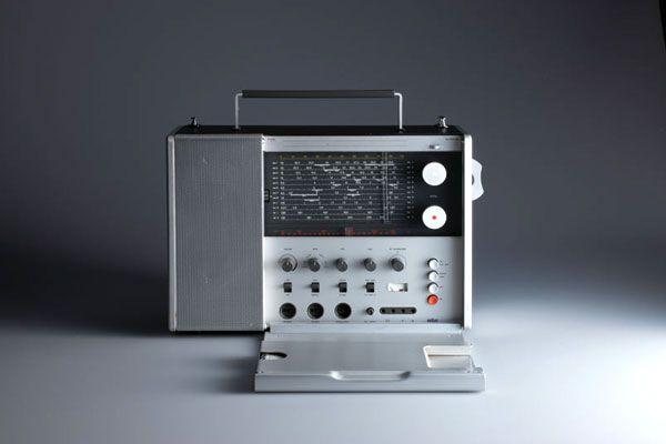 DesignMuseum-T-1000-Portable-radio