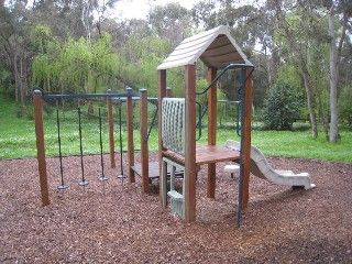 Allison Crescent Reserve, Corner Alison Crescent and Sherbrooke St, Eltham Facilities: playground and seats