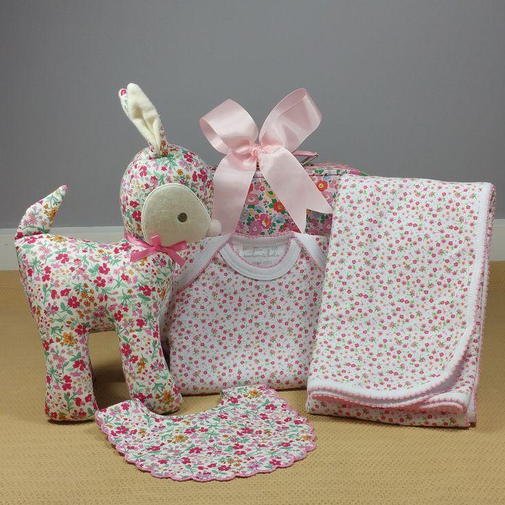 Spring daisy baby girl gift. #babygirlgift #babyhamper