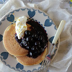 Blueberry Compote by Nessa Robins. | Try this sweet and tangy topping on pancakes with yogurt or on sweet scones and cakes.
