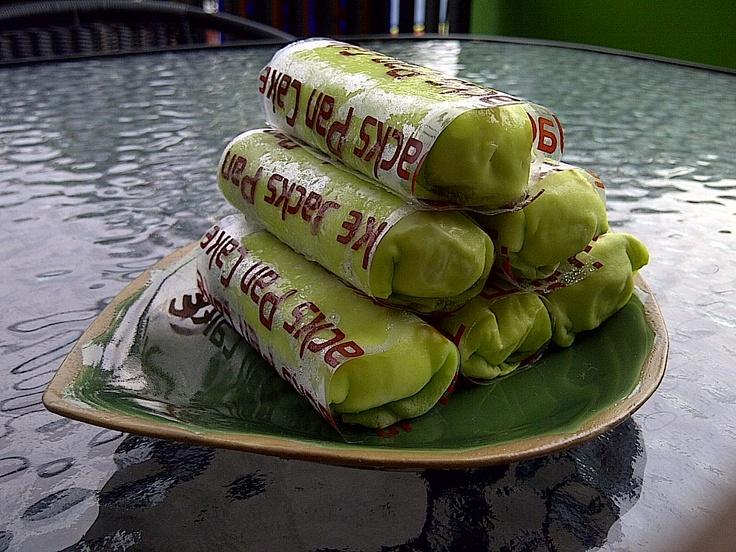 yang mau pancake alpukat silakan mampir ke @jackspancake Jl.Teuku Umar no.38 Lt.2 http://yfrog.com/j48tbuj