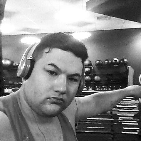 @corey_fit87 squats day