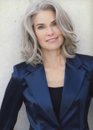 Medium Hair Styles For Women Over 40 | Modern halflang kapsel, geschikt voor iedere leeftijd. Het haar is op ...