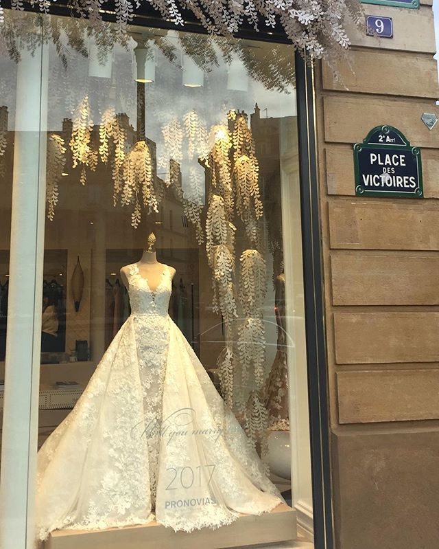WEBSTA @ pronovias - There's something simply magical about Paris✨and our new flagship store there is no exception. Did you miss the video of #PronoviasParis? See it via the link in our bio!