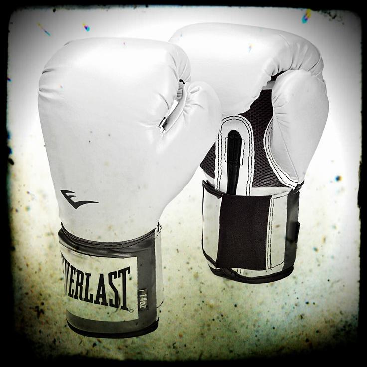 Per ottenere risultati bisogna togliersi i guanti bianchi... oppure usare quelli giusti...! (Dido)