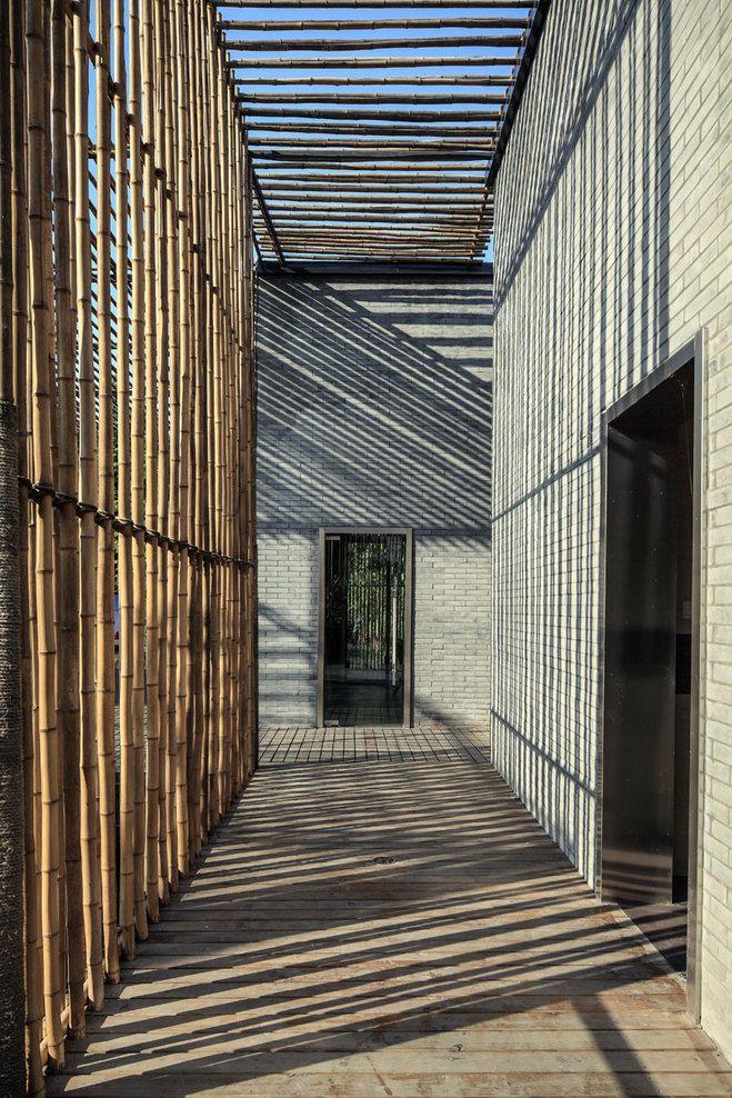 """double peau fonctionelle . Travail interieur/exterieur """"Bamboo Courtyard Teahouse"""" //par l'agence d'archi Harmony World Consulting & Design"""