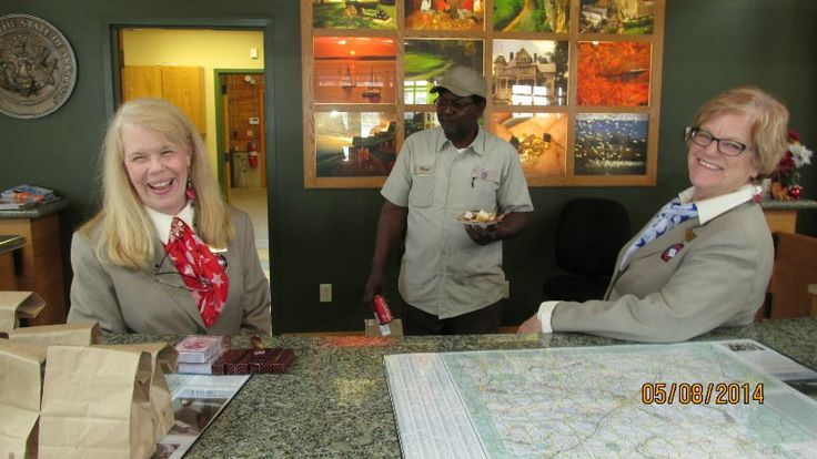 Our welcome center staff is well-versed in Southern hospitality! Visit the Arkansas Welcome Center in West Memphis, AR during National Travel & Tourism Week! #NTTW14 #VisitArkansas