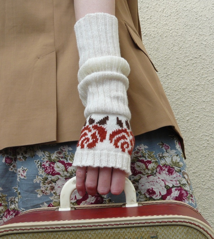 Lambswool English Rose Fingerless Gloves in Vanilla White and Spicey Brown - MADE TO ORDER. £40.00, via Etsy.