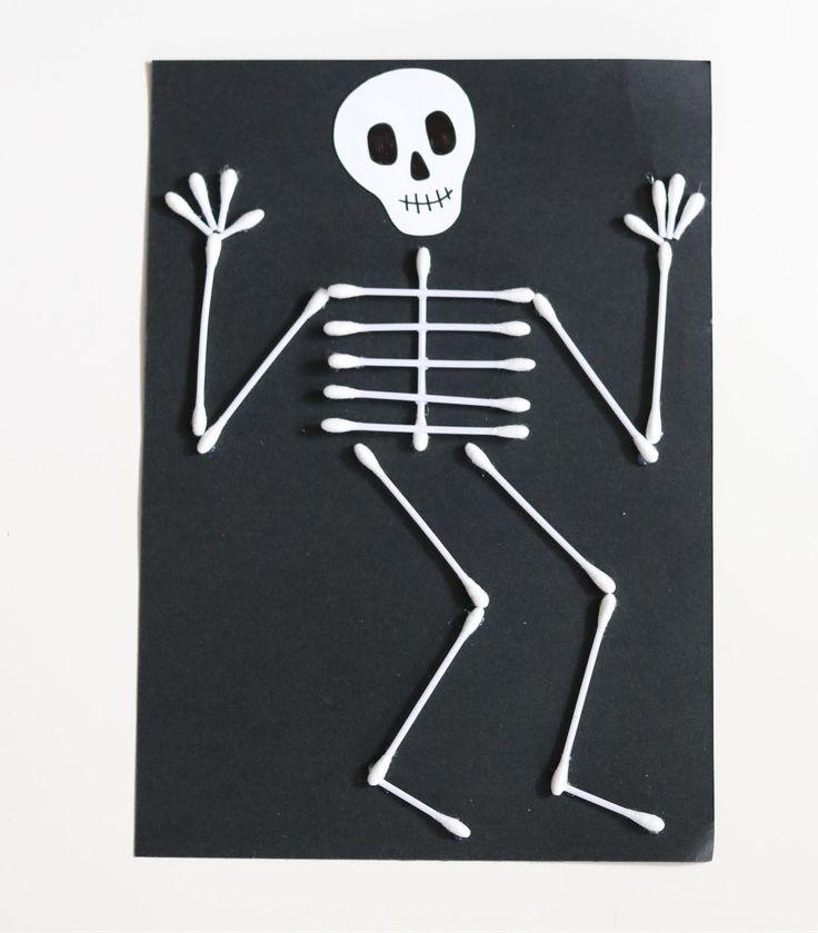 """1,204 gilla-markeringar, 24 kommentarer - Mer pyssel åt folket! 🐼 (@kreativakarin) på Instagram: """"Med några tops kan man göra roliga och läskiga halloweenskelett 💀 #halloweenpyssel #kreativakarin…"""""""