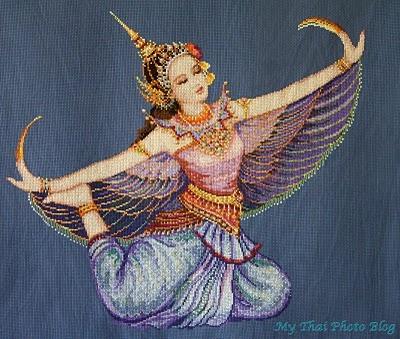 Traditional Thai Dancer - on the shoulder blade