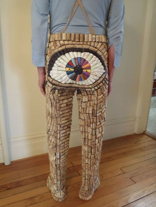 "The ""Cork"" Pants... of course... cork pants... everyone needs a pairCorks Pants, Pantalon En, Wine Corks Crafts, En Bouchon, Funny Wine, Aladecouverteduvin, Big Eye, Savory Recipe, Corks Projects"