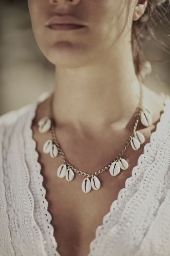 collier avec coquillages