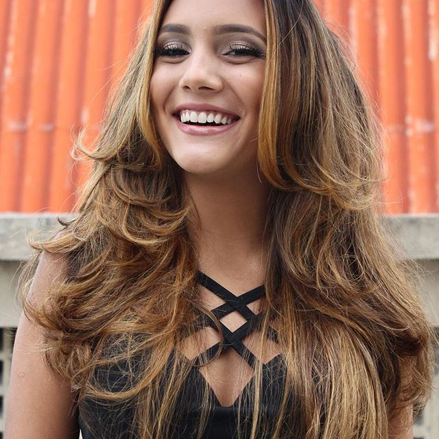 Cabelo: @vivi_siqueira Make: @lualencarmakeup Modelo: @lopesluiiza Cropped: @marcelemx