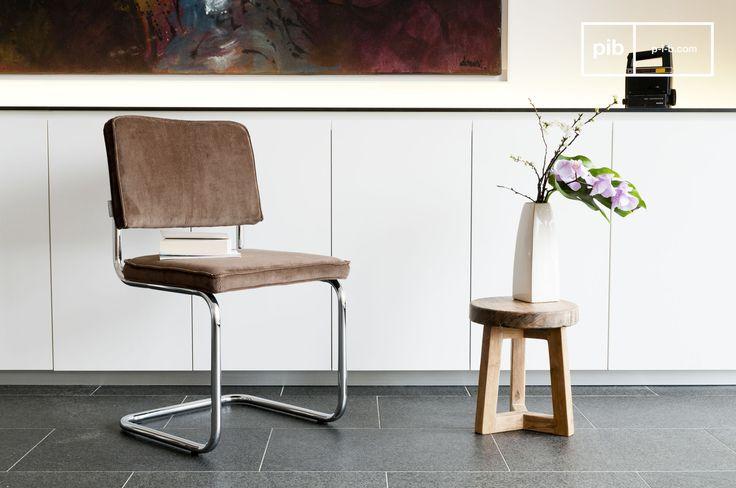 Een stijlvolle en comfortabele stoel is een must in je eetkamer. Heb je een landelijk interieur? Kies dan voor een stoel met een neutrale kleur.