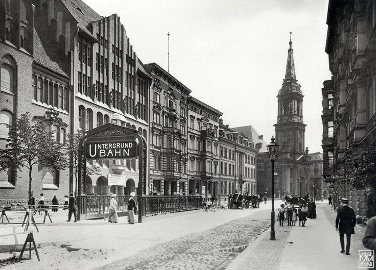 Berlin, Klosterstraße mit Parochialkirche, 1913