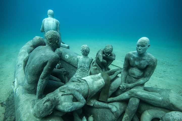 Hyperrealistic-Human-Sculptures-Submerged-in-Europe's-First-Underwater-Art-Museum-3