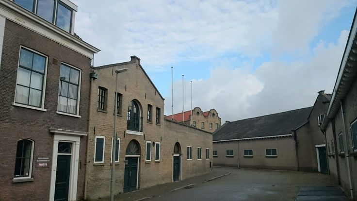 Groenweegje in schiedam,  kantoren,  distilleerderij en opslag van Dirkzwager/Florijn.  MyPic