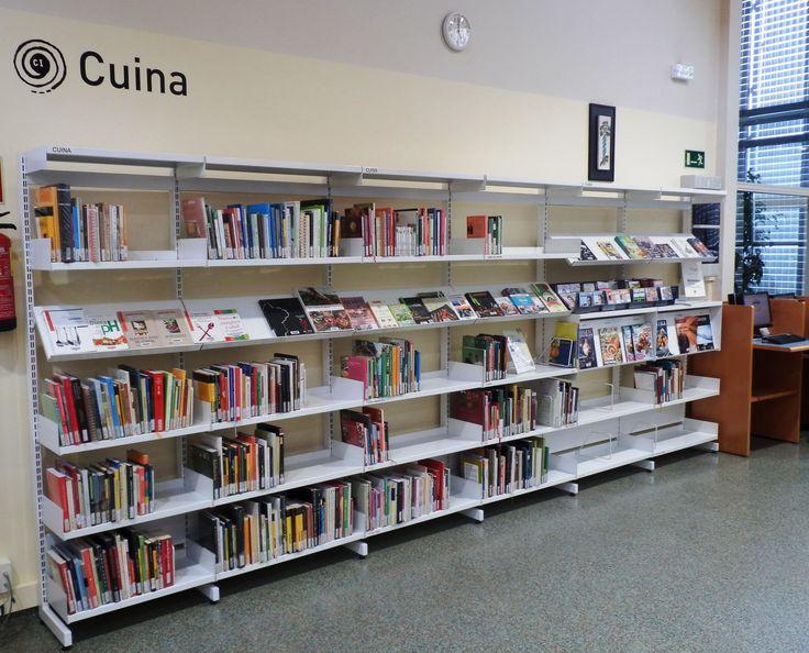 Fons especial de Cuina a l'Àrea d'adults de la biblioteca.