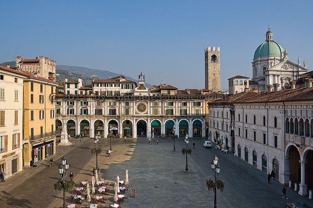 Piazza Loggia a Brescia.