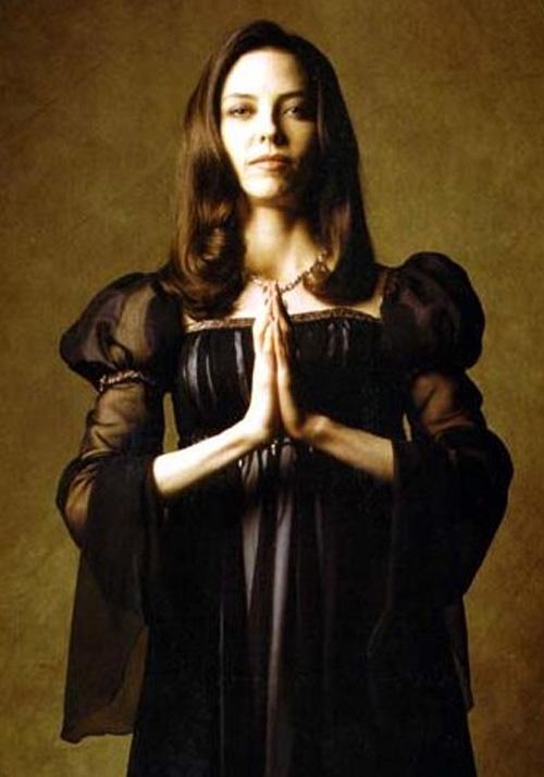 Juliet Landau (Drusilla) back in the day.