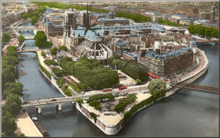 Paris Ile St. Louis Hotels   Roof Top Ile St Louis Apt~perfect Retreat