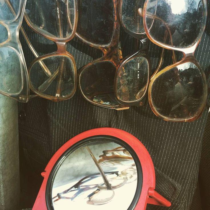 Street Market!  #instadaily #instagood #instagramhub #photooftheday #igdaily #instamood #bestoftheday #picoftheday #igers #tweegram #igersitalia #beautiful #vintage #etsy #etsysellerofInstagram #etsyfind  #vintageshop #Style #italianJob #fashion #theitaliancabinet #moda #igersmarche #igersvintage