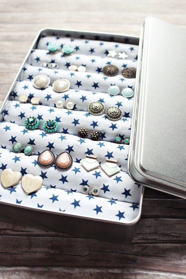 25 best ideas about diy earring holder on pinterest earring holders organizing earrings and. Black Bedroom Furniture Sets. Home Design Ideas