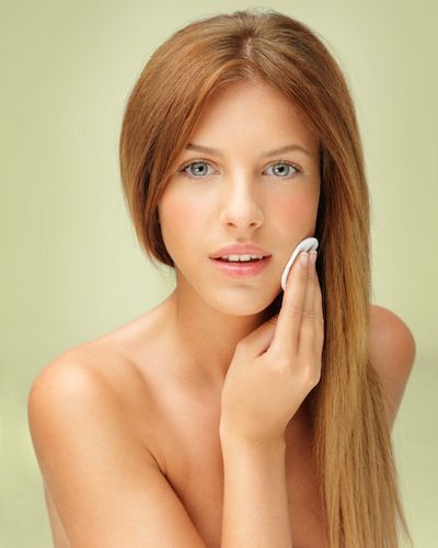 5 beauty products from coconut oil: diy make-up remover, toothpaste, deodorant, shaving oil and body cream. Easy + effective!
