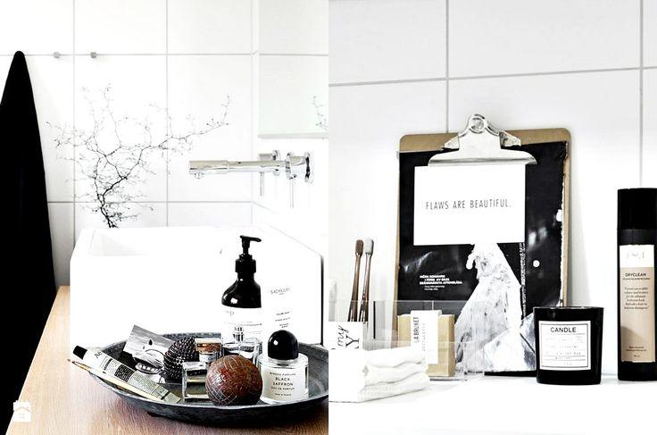 Zdjęcie: Organizacja i stylizacja w łazience. Dekoracyjne pojemniki do łazienki. - Łazienka - Styl Nowoczesny - cleo-inspire