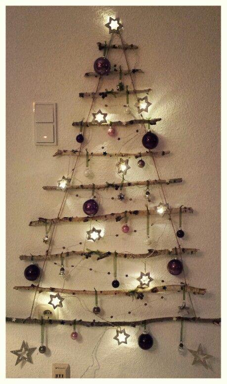 mein erster wand weihnachtsbaum spart platz nadelt. Black Bedroom Furniture Sets. Home Design Ideas
