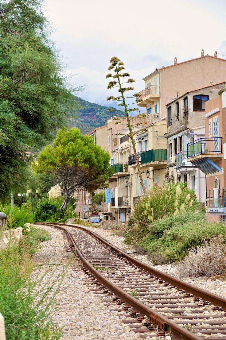 Quand j'entendais parler de la Corse c'était souvent pour ses plages magnifiques. C'est le cas, mais j'ai surtout été charmée par les villages perchés de Balagne. Les couleurs sont incroyables, les ruelles pittoresques.