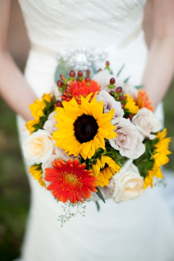 Casual Fall Wedding by Jeremy & Kristin | Love Wed Bliss