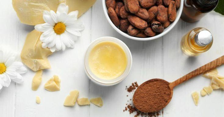 Kakao ağacının meyvelerinden elde edilen kakao yağı raf ömrünün uzun olması ve antioksidan özellikte olması nedeniyle cildin güzelleşmes...