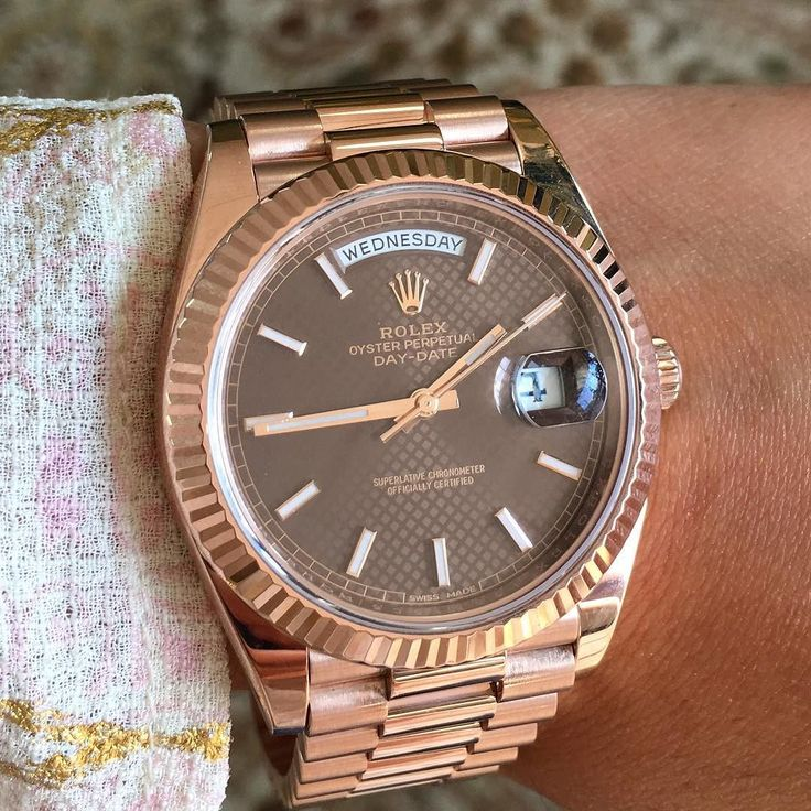 Rolex Presidential 2 Day-Date 228335 in Everose Gold. 40 mm. See site to scoop this. . . #rolexpassion #rosegold #dailywatch #mensfashionpost #watchoftheday #watchanish #rolexpresidential #rolexpresident #rolexwatch #mensfashion #mensfashionpost #ladiesfashion #watchesofinstagram #watchesforher #vogue #fashionable #fashionstyle #fashionista #chic